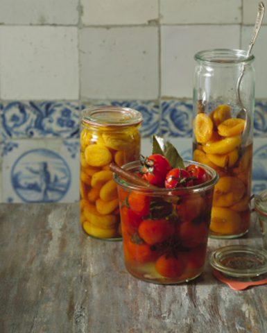 preserved tomatoes, restaurant, Dutch food
